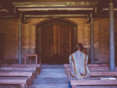 Formar o cidadão ou promover o fiel?