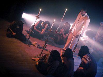 Breves apontamentos sobre a experiência do Sagrado no Teatro