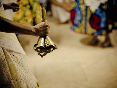 Candomblé, práticas educativas e as relações de gênero: espaço social onde filhas e filhos de santo aprendem e ensinam por meio da oralidade