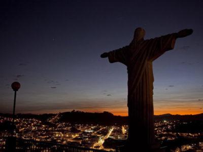 A relação do religioso com a sociedade: aí está sua identidade