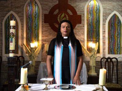 Travesti não é bagunça, é Reverenda!
