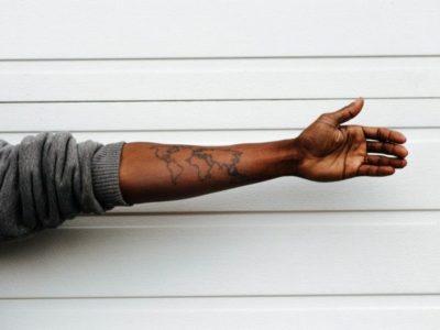Se negro não vota em negro, evangélico vota em evangélico?