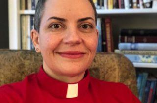 """""""Reverenda Doutora"""": a capa da visibilidade"""